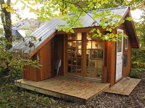 diseno de pequena cabana  mini terraza  el campo