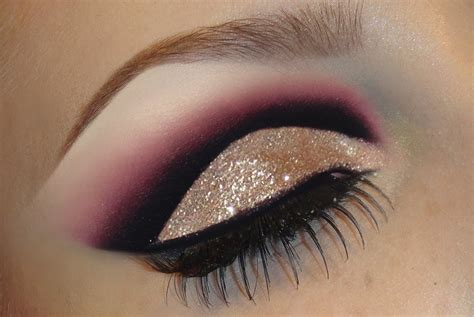 Eyeshadow Gold Tutorial black and gold eyeshadow tutorial makeup idea