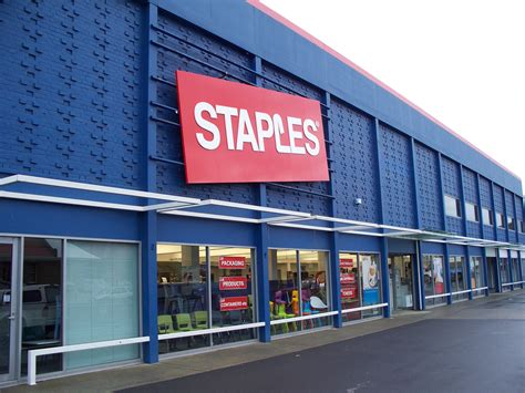 Staples Corporate Office by Staples Workers Petition Company Business Insider