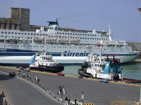 biglietteria tirrenia porto torres caos traghetti il codacons pronto a una raffica di