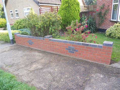 Brick Garden Walls Home Design Ideas And Pictures Bricks For Garden Walls