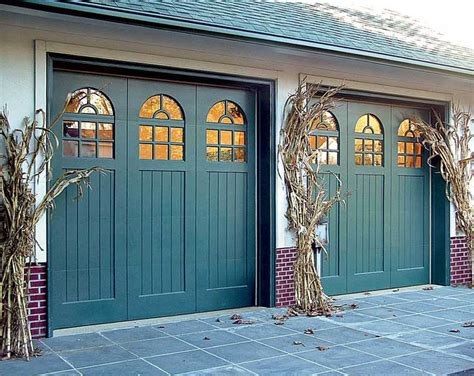 What Colour To Paint Garage Door How To Choose A Garage Door House House