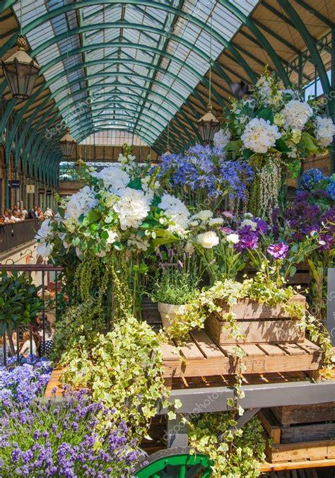 Flower Shop Covent Garden London Uk 22 July 2014 Flower Shop In Covent Garden