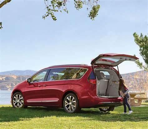2019 Chrysler Minivan by 2019 Chrysler Pacifica Minivan Chrysler Canada