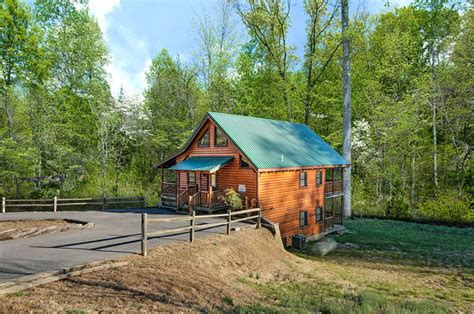 2 bedroom cabins in pigeon forge pigeon forge cabins enchanted 2 bedroom luxury cabin