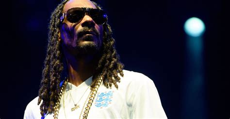 Snoop Dogg Held Overnight In Sweden by Snoop Dogg Vows Never To Return To Sweden After Being