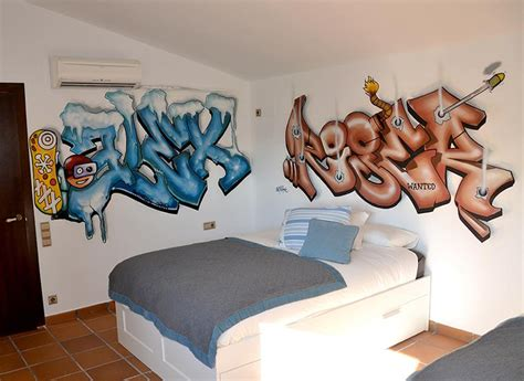 murales juveniles mujer graffitis 3d en cuartos