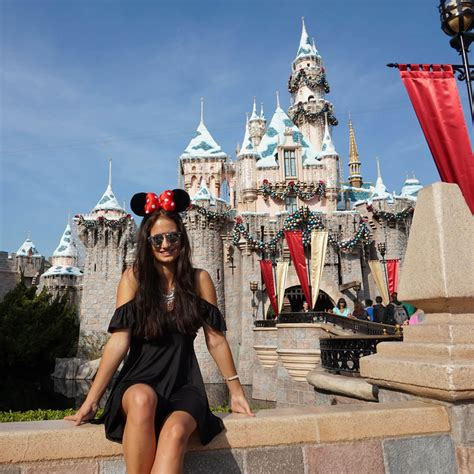 Cruise Wed In Los Angeles Last Week by Being Minnie Mouse For A Day In Disneyland Los Angeles