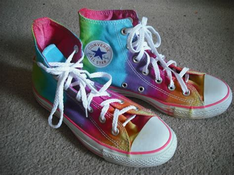Sepatu Converse Pink diy ideas give a new look to your converse pretty designs