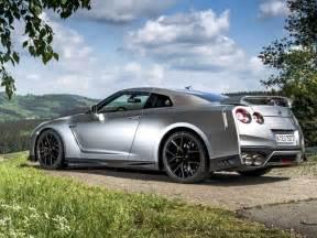 Nissan Gtr Vs Corvette 2017 Chevrolet Corvette Vs 2017 Nissan Gt R Which Is Best