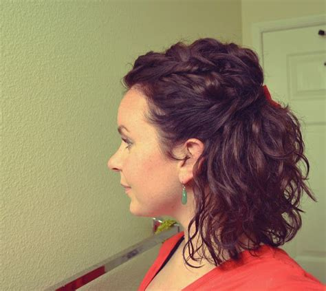 ways to wear short curly hair 24 best images about haircuts med curly on pinterest