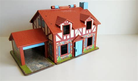 fisher price doll house vitnage fisher price tudor doll house vintage toy 80 s toy