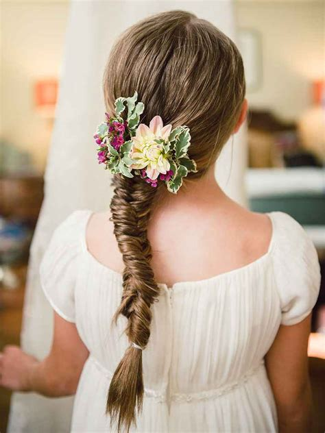 Hairstyles For Flower by 14 Adorable Flower Hairstyles