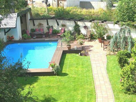Gestaltung Rund Um Den Pool by Effektvolle Poolgestaltung Im Garten Archzine Net