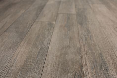 parquet e piastrelle pavimenti e rivestimenti legno mosaici piastrelle