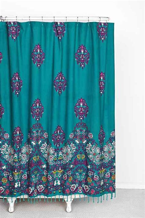 dorm shower curtain 1000 ideas about college dorm bathroom on pinterest
