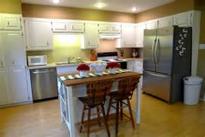 Kitchen With Small Island by How To Buy Small Kitchen Islands With Seating Modern