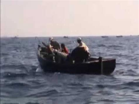 very small fishing boats fishing very big tuna at morocco with small boat how to