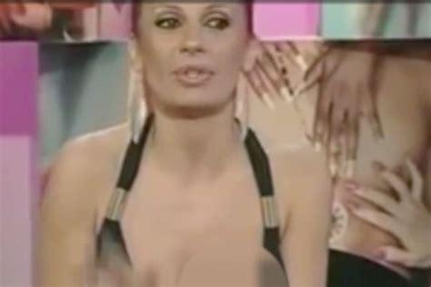 tania llasera wardrobe malfunction tv star suffers embarrassing wardrobe malfunction in front