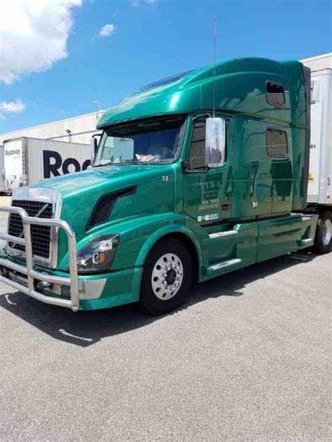 2009 volvo semi truck volvo 2009 sleeper semi trucks