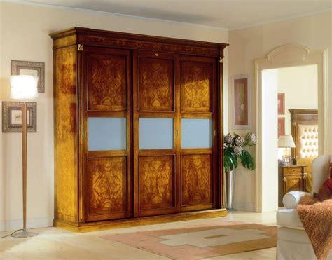 armadi per alberghi armadio classico con 3 ante in legno per alberghi di lusso