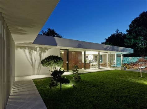 modern house backyard californian coastal style and iconic d 233 cor define austrian