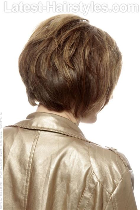 pictures of shag haircuts front and back short shag hairstyle with dimension and highlights back