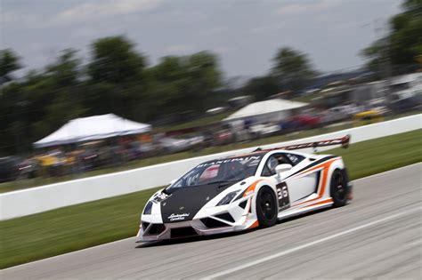 lamborghini race lamborghini trofeo series will rent you a race car