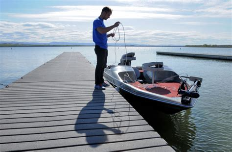 lake lowell boating season a day at the lake lake lowell provides canyon county with
