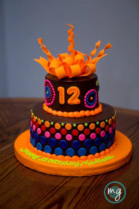 fun tied cake  edible art bakery desert cafe