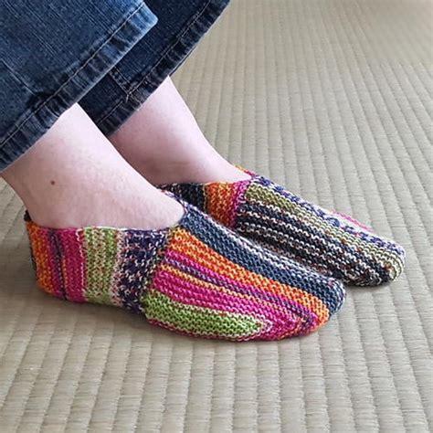 knitting pattern slipper socks rainbow striped knit slipper pattern allfreeknitting com