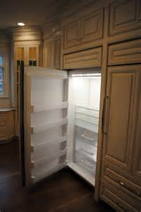 kitchen cabinets refrigerator kitchen cabinets hide the refrigerator 171 finishing touches finishing touches