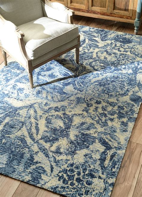 Use Blue And White Rug Choose The Blue And White Rug And Blue Rug
