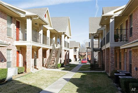 cole place denton tx apartment finder
