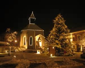 Christmas Lights Clip Art Datei Gloggnitzer Hauptplatz Im Advent Mit Christbaum Jpg