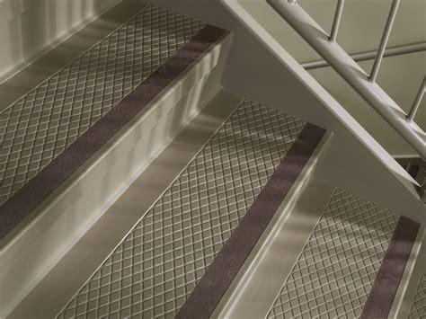 Commercial Carpet Runners by Flexco Rubber Flooring Amp Vinyl Flooring 187 Abrasive Grit Strips