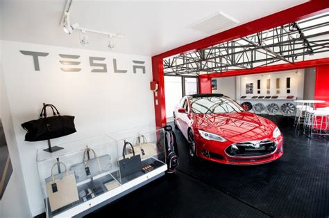 How Many Tesla Stores Are There Tesla Model 3 To Be Revealed In 2016 Enter Production In 2017