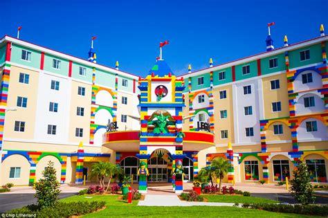 theme hotel florida legoland florida resort opens legoland hotel for business