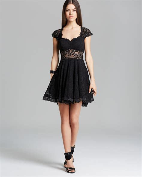 Guess Dress Spandek lyst guess dress lace in black