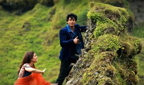 biography of movie dilwale kajol saved shah rukh khan s life during dilwale shoot