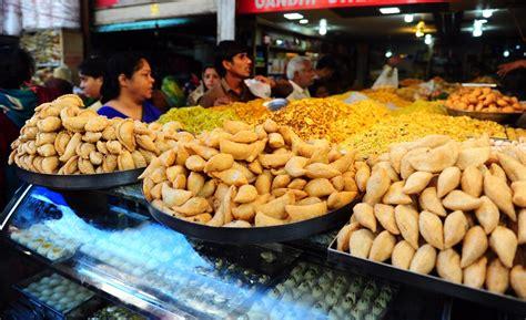 holi        adulterated foods