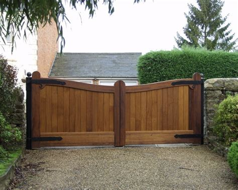 gate for car how to build a wood fence gate for a car woodworking projects plans