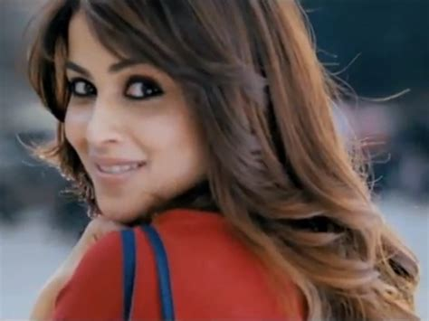 Genelia Force Makeup Look | genelia beauty tips and fitness secrets styles at life