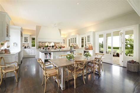 house   day  hamptons style home  australia