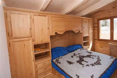 letto a su misura l armadio su misura armadio in legno artigianale legnoeoltre