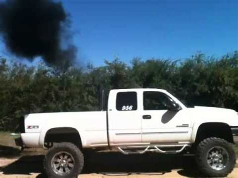 05 chevy duramax blowing smoke w stacks - YouTube Lifted Duramax Diesel Blowing Smoke