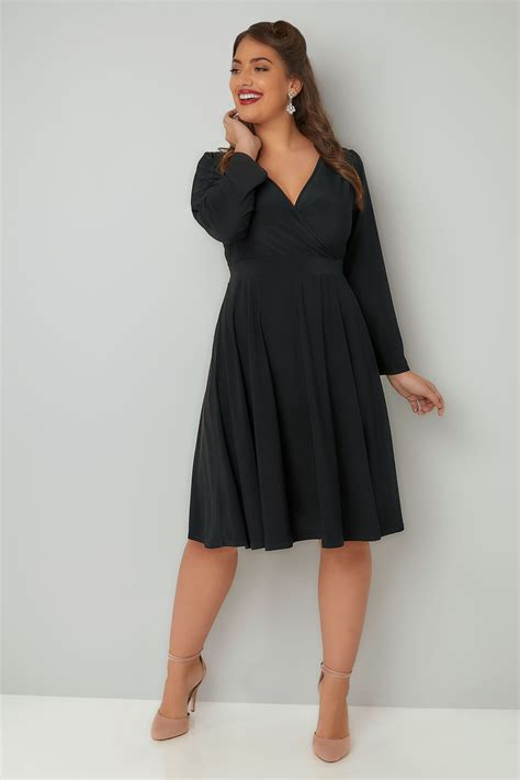 Lyra Dress voluptuous black lyra dress plus size 16 to 32