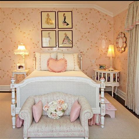 25 best ideas about shabby chic wallpaper on pinterest french bedroom decor french style