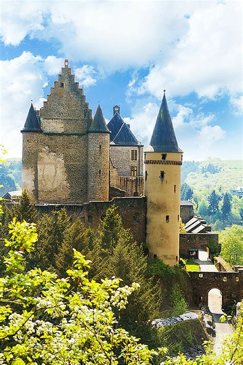Beautiful Castles | 20 of the most beautiful fairy tale castles in the world