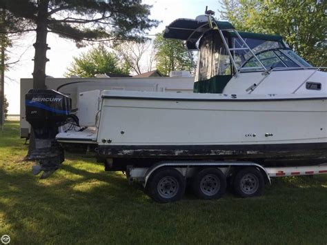 walk around boats for sale in michigan 2001 used trophy 2802 walkaround fishing boat for sale